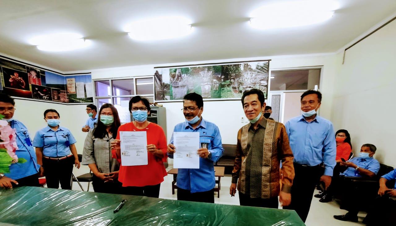 Penandatanganan Perjanjian Kerja Sama Fakultas Ilmu Budaya dengan RRI Manado