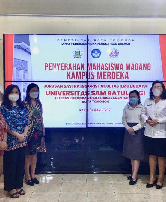 Penyerahan Mahasiswa Magang Kampus Merdeka di Dinas Pendidikan dan Kebudayaan Tomohon